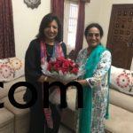 Mrs. Suma Athri welcoming Ms. Kiran Mazumdhar shaw at home